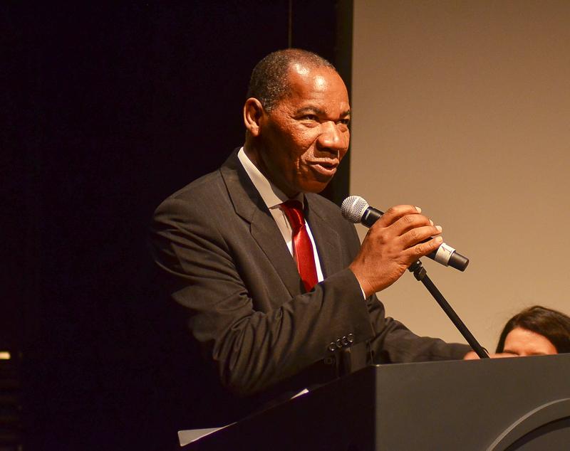 Reitor José Vicente emociona ao contar trajetória do Troféu Raça Negra