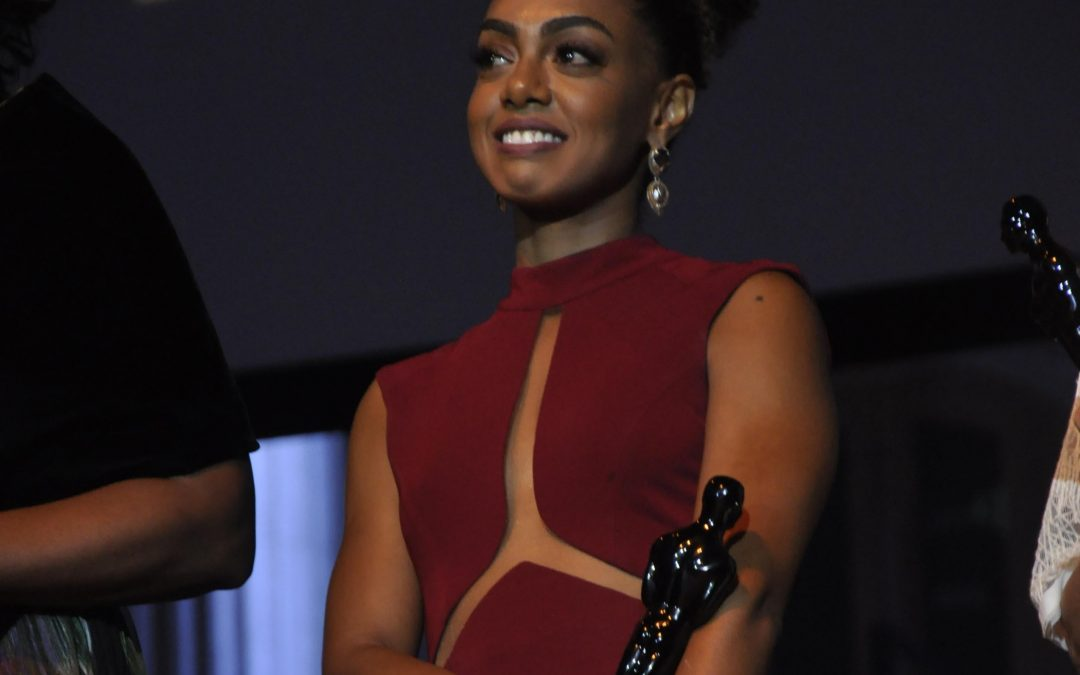 """""""Nasci no dia 13 de maio, meu nome é Dandara"""": declara atriz global que diz ter uma incumbência"""